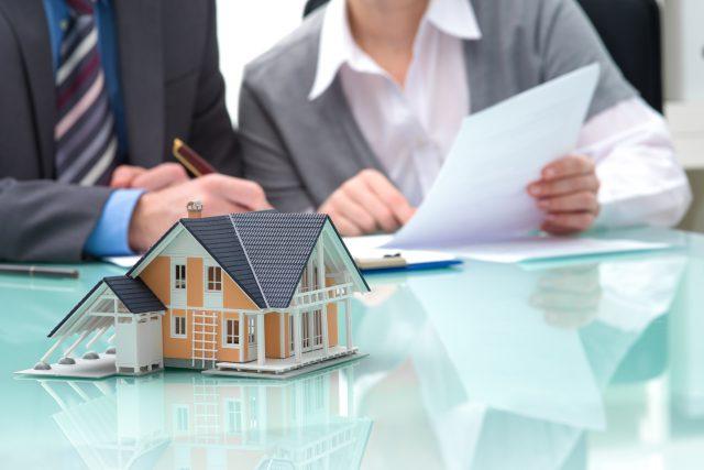 Jak sprzedać nieruchomość w Internecie